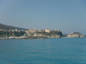 Coming into Tropea